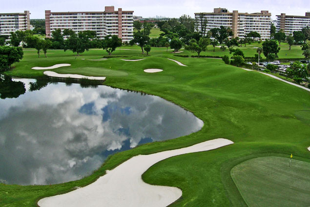 image of Hillcrest residential community and its golf course.
