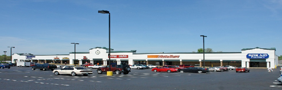 image of Smyrna Shopping Center in Smyrna, TN
