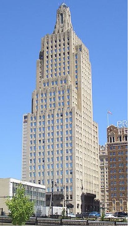 Image of the Power and Light BUilding in Kansas City, Missouri